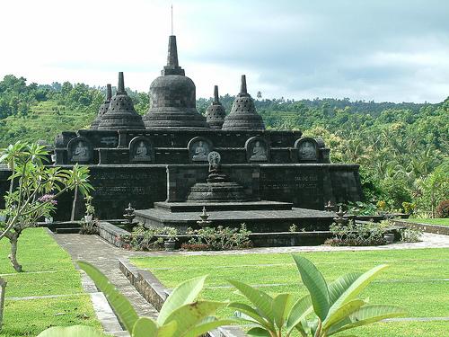 Vihara Budha, di Banjar Singaraja